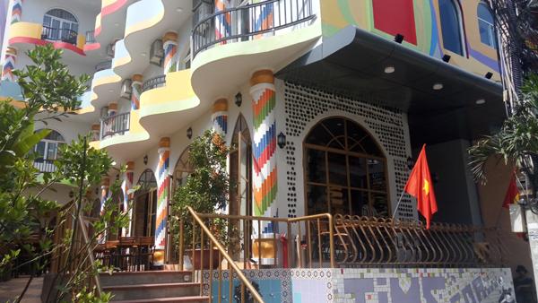 Lắp Đặt Máy Phát Điện Tại Hotel Villa La Mancha